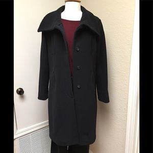 ⬇️💲Hilary Ridley wool and cashmere coat